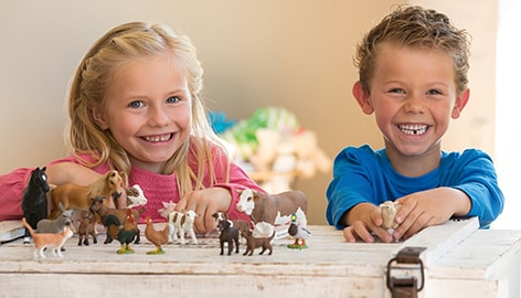 Schleich Kids Playing