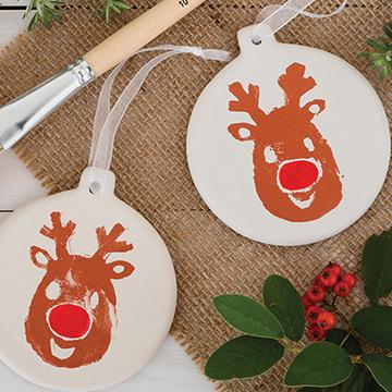 Porcelain Ceramics Christmas craft materials.