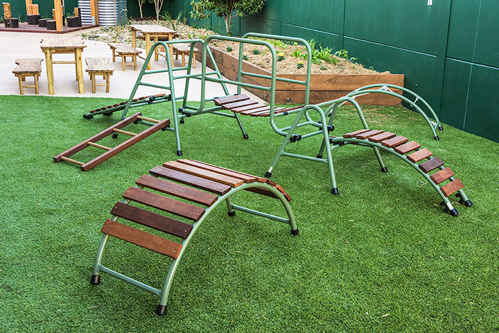 Our Eucalyptus Natural Playset is made from a combination of natural coloured aluminium frames with durable hardwood.