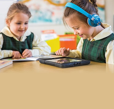 From emergent to fluent readers. Learn to read at school and home with our levelled readers.