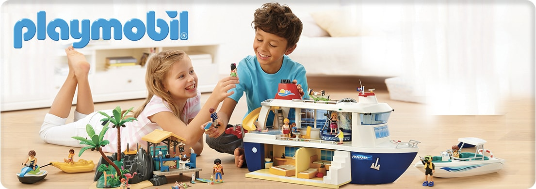 Playmobil - kids playing with cruise ship.
