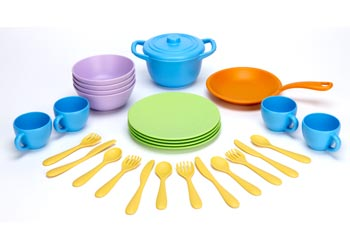 Green Toys – Recycled Plastic Cookware and Dining Set – 26 pieces